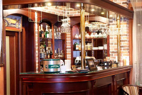 Лобби бар в отеле City Club в Харькове